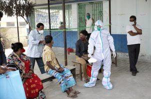 Estados Unidos está en cabeza, con 11.2 millones de afectados de COVID-19, seguido de la India, con 8.8 millones.