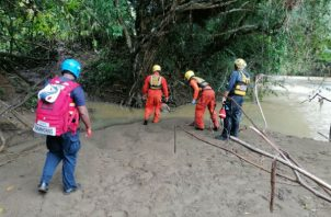 El cuerpo fue encontrado enredado en ramas a la orilla del río Estivaná. Foto: Thays Domínguez