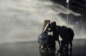 Según el Ministerio Público, hay más de 4,600 causas abiertas contra las fuerzas de seguridad por supuestas violaciones a los derechos humanos en la dispersión de las marchas, pero sólo 75 agentes han sido imputados.