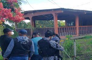 Oriel Morales, fue atacado mientras conversaba con un grupo de personas.