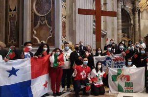 Entrega de los símbolos de la Jornada Mundial de la Juventud.