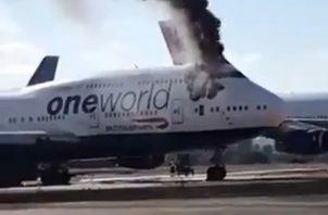 """Según un tuit publicado en la cuenta oficial del aeropuerto de Castellón, """"no ha habido que lamentar heridos y el fuego se encuentra ya confinado""""."""