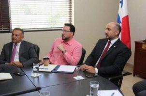 El exadministrador de la AMP, Jorge Barakat (der.) junto alex director de Puertos de la AMP, Gerardo Varela. Archivo