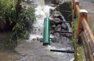 La toma de agua de Chorro Blanco fue destruida por la corriente del río Chuspa. Foto: José Vásquez.