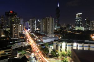 La calificadora de riesgo, destaca que Panamá ha mejorado su perfil de deuda pública. Foto/Archivo