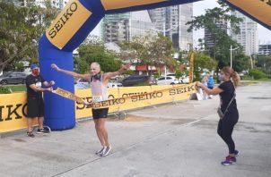 Unos 200 corredores compitieron ayer.