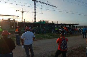 Miembros del Suntracs paralizan la construcción del nuevo hospital Aquilino Tejeira en la provincia de Cocle.