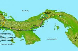 En sus extremos se construirán dos subestaciones, una en la provincia de Bocas del Toro denominada Subestación Chiriquí Grande y una en la provincia de Panamá, nombrada Subestación Panamá III.