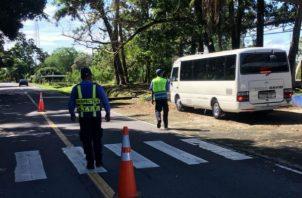Las boletas fueron puestas por unidades del Tránsito de la Policía Nacional y agentes de la ATTT. Foto: José Vásquez.