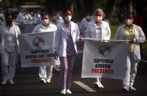 Las enfermeras marcharon a la presidencia el 25 de noviembre y han aplazado medidas de fuerza, esperando respuesta del Ejecutivo. Foto de Víctor Arosemena