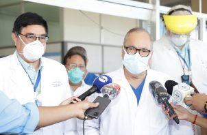 El doctor Enrique Lau Cortés hizo un llamado a la población en Panamá.