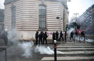 Detenidos y múltiples heridos en París, luego de los enfrentamientos.