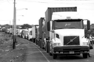 Tras varios días de protestas de camioneros y de medidas recíprocas en la región, Costa Rica aceptó a finales de mayo una flexibilización de las medidas. Foto: EFE.