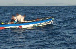 """La embarcación """"Doña Dene"""" presentó desperfectos mecánicos en el mar."""