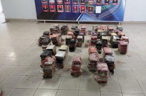 La supuesta sustancia ilícita estaba en ocho maletines dentro de un contenedor en el Barrio Sur, en Colón.