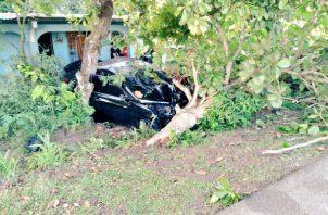 El auto quedó a poca distancia de la vivienda. Foto: Thays Domínguez