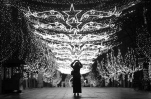 El verdadero representante de la Navidad no es el Santa Claus comercial que nos invita al consumo, el que, además, no parece haberse enterado que su hábitat, el Polo Norte, está desapareciendo a causa del sobrecalentamiento global. Foto: EFE.