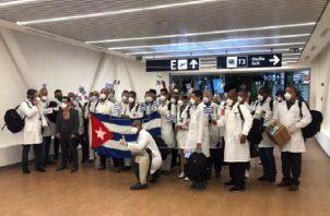 Médicos cubanos ya han confirmado que vendrán al país.