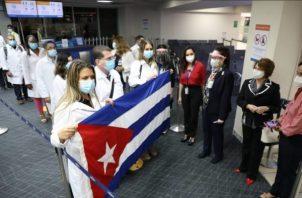 Los cubanos son miembros del Contingente Internacional de Médicos especializados en Situaciones de Desastres y Graves Epidemias, Henry Reeve.