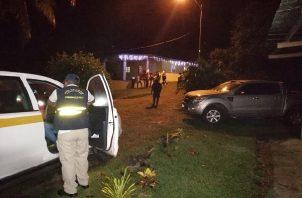 El presunto homicida solo laboró hasta horas del mediodía, para luego dirigirse a su residencia, pasando antes a la casa de un vecino en donde consumió varias cervezas.