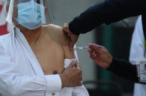 A finales de enero México habrá recibido un total de 1,4 millones de dosis de Pfizer. EFE