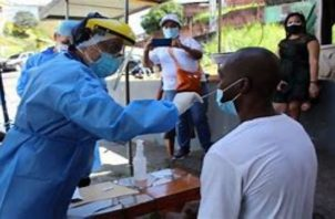 En Panamá van 242,744 casos acumulados de COVID-19 y 3,975 muertes.