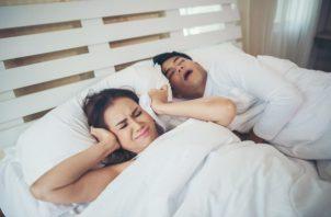 Si no se atiende a tiempo, la apnea del sueño puede ser peligrosa. (Foto: Freepik)