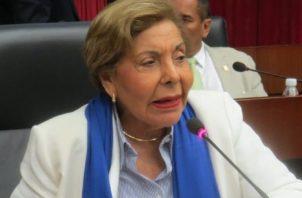 Diputada Mayín Correa sufre la muerte de su colabora del hogar por más de 50 años.