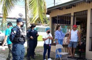 Las autoridades del Ministerio de Salud de la Región de San Miguelito, en conjunto con el equipo Unificado de Trazabilidad Saneamiento Ambiental, Protección de Alimentos, Juez de Paz, Policía Nacional entre otros, procedieron a realizar un operativo.