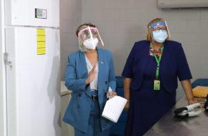 El primer congelador de ultrabaja temperatura fue entregado al PAI, el jueves 31 de diciembre, Cortesía