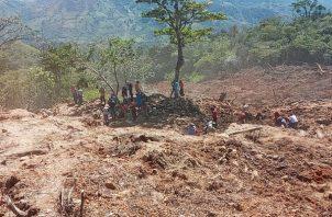 Personal del Sinaproc fue trasladado desde David hasta la comarca Ngäbe-Buglé. Foto: Mayra Madrid