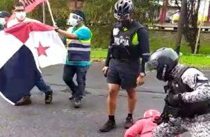 Los integrantes de Suntracs y Frenadeso se organizaron en la entrada de la ciudad de Colón, antes de las 10:00 a.m.
