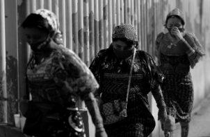 El pueblo guna sigue exigiendo una verdadera autonomía en un mundo que todavía no parece reconocer sus luchas. A pesar de eso, sigue practicando su propio modelo de estructura social, económica y cultural. Foto: EFE.