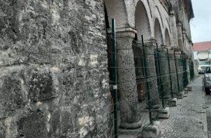 Portobelo cuenta con un conjunto histórico que incluye fortificaciones de defensa española.