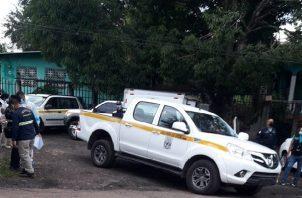 Personal del Ministerio Público (MP) llegaron al sitio para recabar indicios y efectuar el levantamiento del cuerpo.