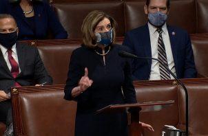 Nancy Pelosy hizo fuertes señalamientos en contra de Donald Trump. Foto: EFE