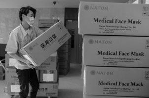 China donó 150.000 máscaras, decenas de ventiladores, monitores, ventiladores, 50.000 kits de prueba y 100.000 máscaras médicas. Foto: EFE.