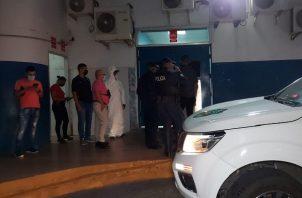 Las autoridades lograron la detención de una persona, que portaba un arma de fuego y varias municiones.