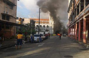 El movimiento Causa Justa cerró las calles exigiendo plazas de empleo, además solicitan la construcción del nuevo Hospital Amador guerrero, y otros centros en las provincias de Chiriqui y Darién sean activados.