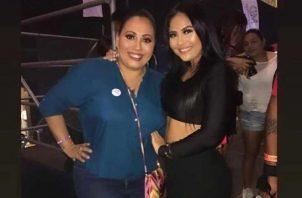 Yaritzel de Vélez y su hija Tatiana. Instagram/Archivo