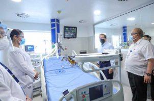 El presidente Laurentino Cortizo aprovechó la entrega del espacio en la Ciudad de la Salud para hablar de las vacunas. Víctor Arosemena