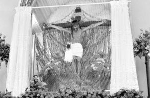La imagen del Cristo de Esquipulas tiene probablemente más de 200 años: Es una obra de arte que goza de una perfecta proporción, lograda por un escultor maestro que dominaba la anatomía humana. Foto: Archivo. Epasa.