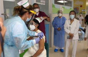 Panamá inició el pasado miércoles el proceso de vacunación en todo el territorio nacional. Archivo.