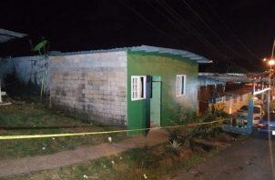 Funcionarios del Ministerio Público iniciaron la investigación del homicidio número 11 en la provincia de Colón en 23 días transcurridos del 2021. Foto: Diomedes Sánchez