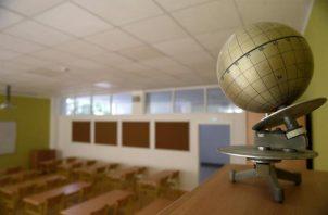 El cierre total de escuelas en 31 países y la reducción de horarios en otros 48 afectan a 800 millones de estudiantes