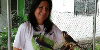 Karla Aparicio, la mamá de las águilas harpías. Foto: Víctor Arosemena.