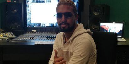 Para el productor Jonathan Tovar, DJ Black es su padrino en la música.  Foto de Juan Carlos Lamboglia