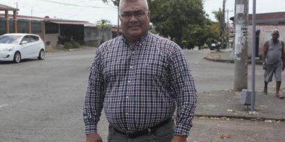 Víctor Manuel Castillo Pérez, candidato a diputado por el circuito 8-8. Víctor Arosemena
