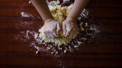 Sus manos y mente no han parado de trabajar. (Imagen ilustrativa: Pixabay)