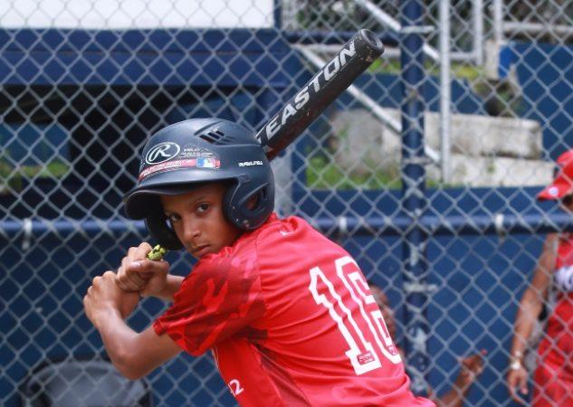 Luis Rivera durante la final del Campeonato Nacional de Béisbol Sub-12, que ganaron en conjunto Panamá Metro A y Coclé. Anayansi Gamez